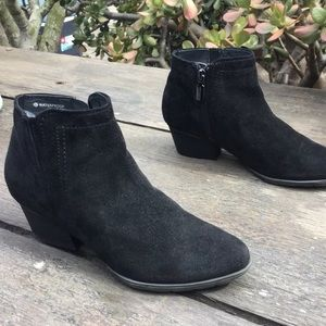 Blondo Valli Black Suede Ankle Boots Size 6 $150